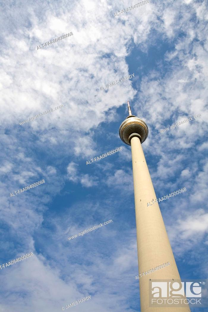 Stock Photo: Germany, Berlin, the Fernsehturm television tower.