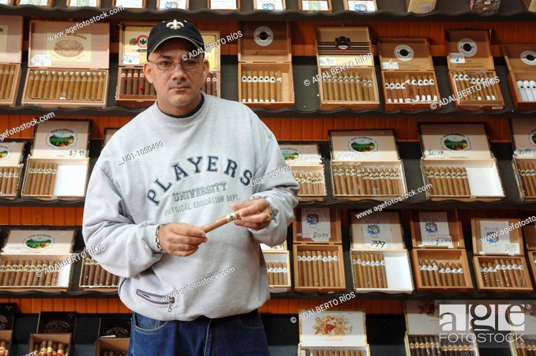 Stock Photo: Por su cercanía con el Caribe Nuevo Orleans siempre ha sido un centro para la comercialización de tabaco y habanos.