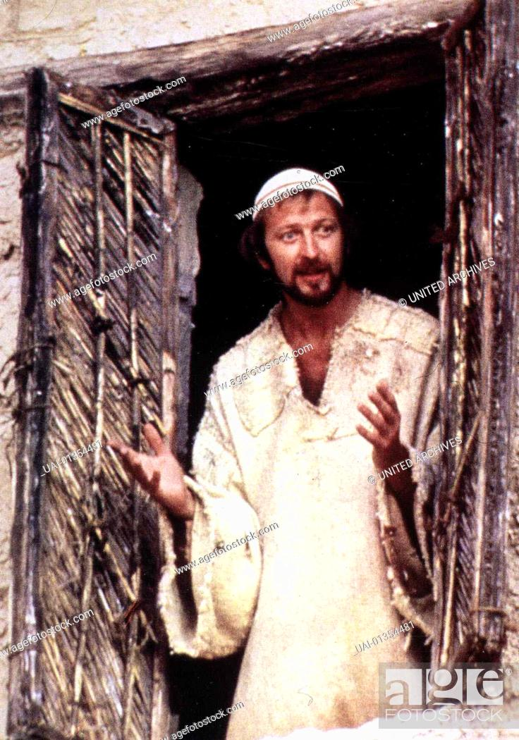 Monty Python S Life Of Brian Graham Chapman In Wirklichkeit Ist Brian Graham Chapman Kein Prophet Stock Photo Picture And Rights Managed Image Pic Uai 01354481 Agefotostock
