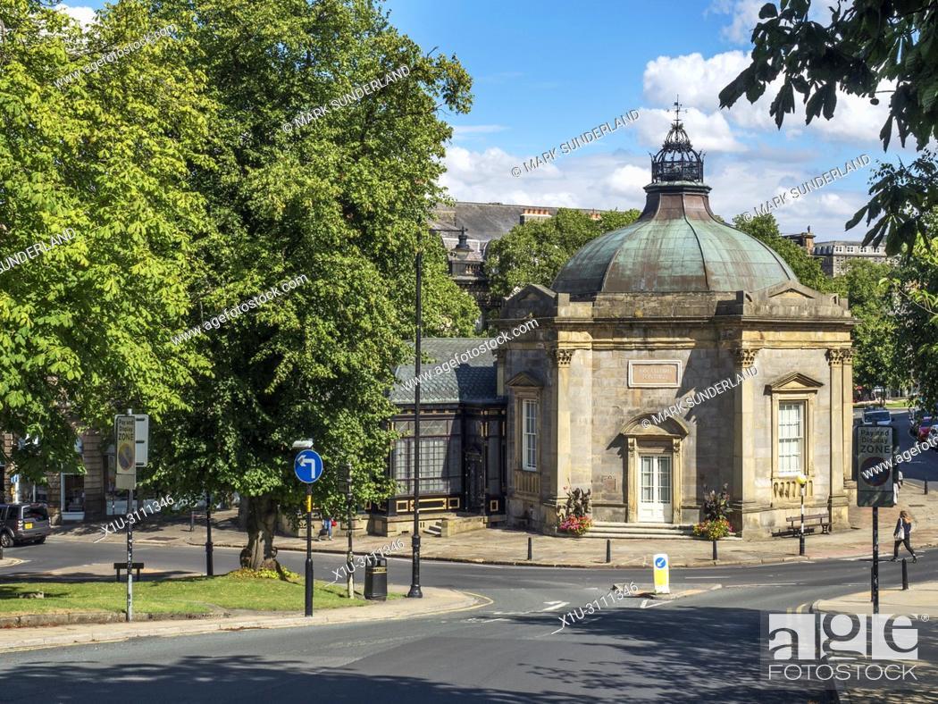 Imagen: Royal Pump Room former spa building now a museum Harrogate North Yorkshire England.