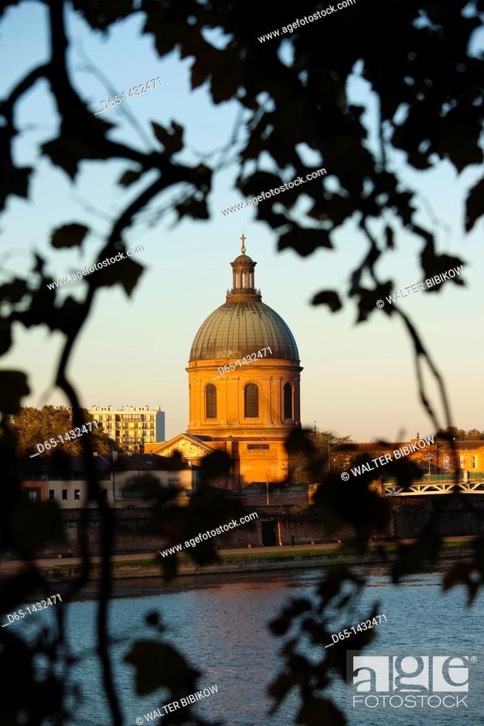 Stock Photo: France, Midi-Pyrenees Region, Haute-Garonne Department, Toulouse, Hopital de la Grave, sunrise.