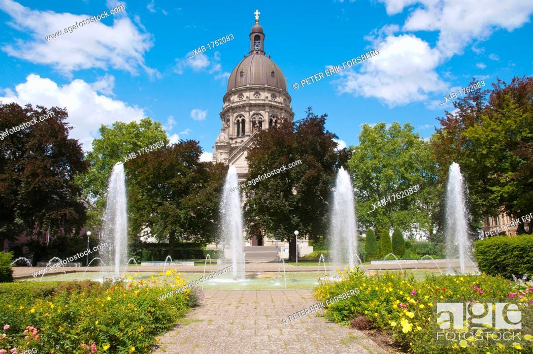 Stock Photo: Hans-Klenk-Brunnen fountain along Kaiserstrasse with Christuskirche church in background Mainz city state of Rhineland-Palatinate Germany Europe.