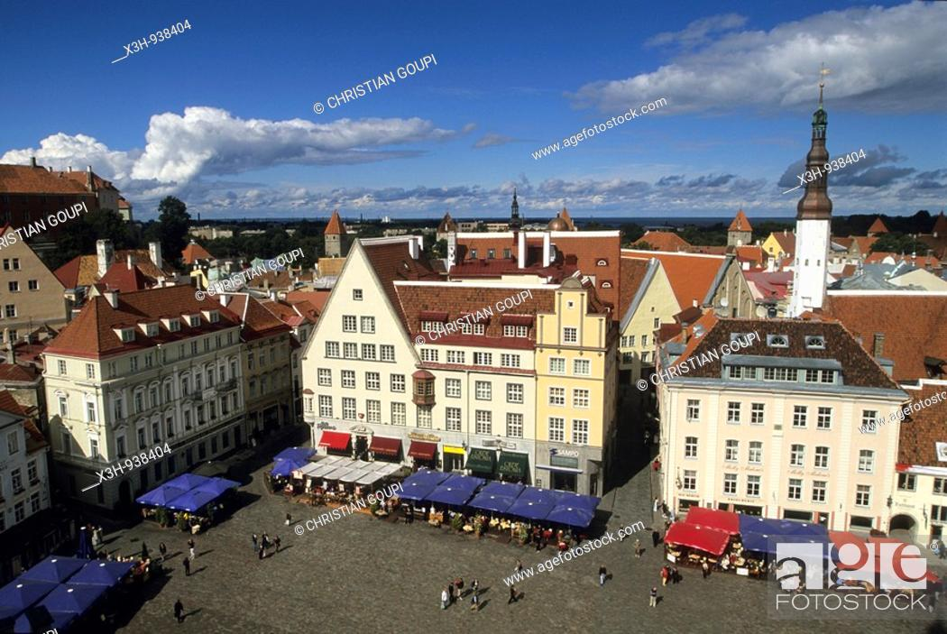 Stock Photo: place de l'hotel de ville,Tallinn,Estonie,pays balte,europe du nord.