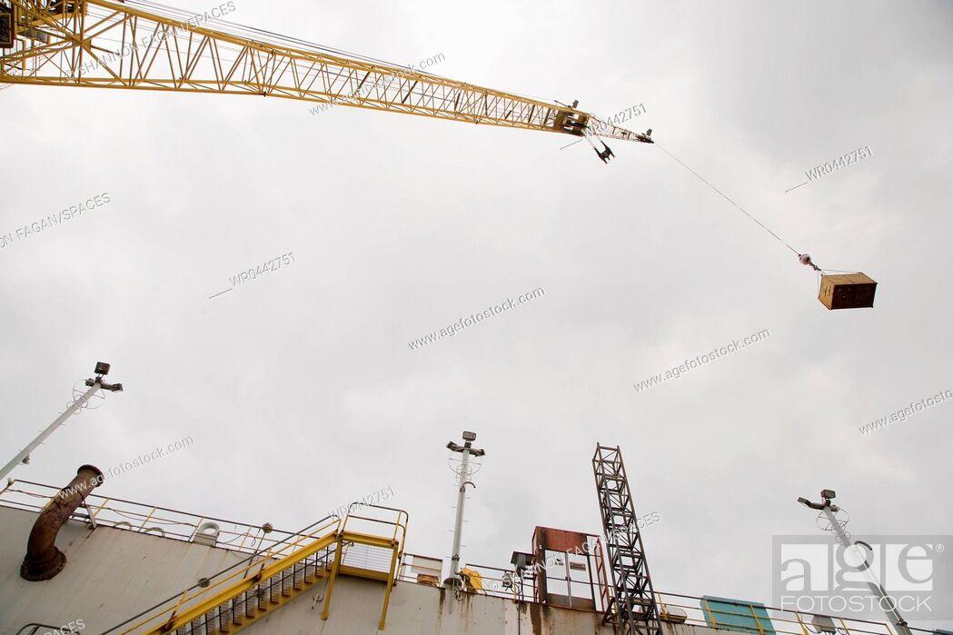 Imagen: Industrial Crane.