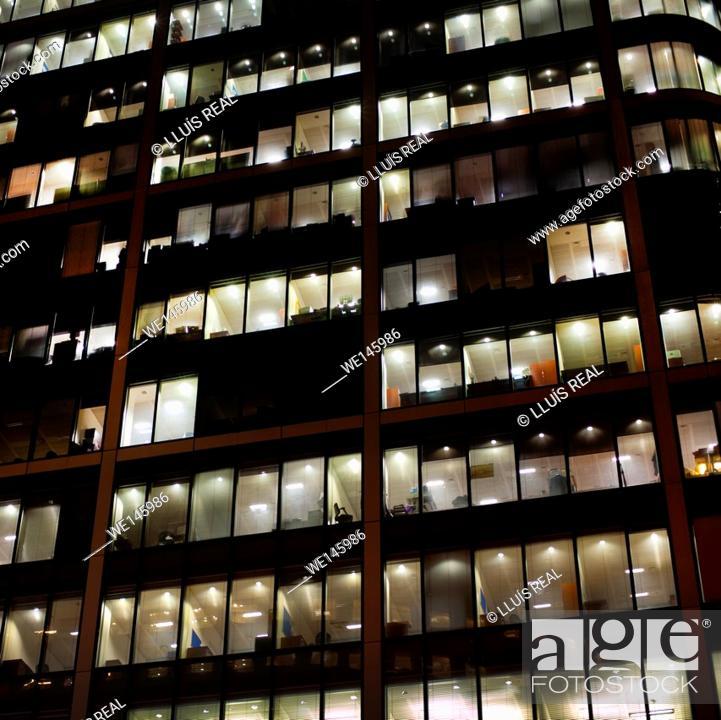 Stock Photo: City of London, foreground, skyscraper, night.