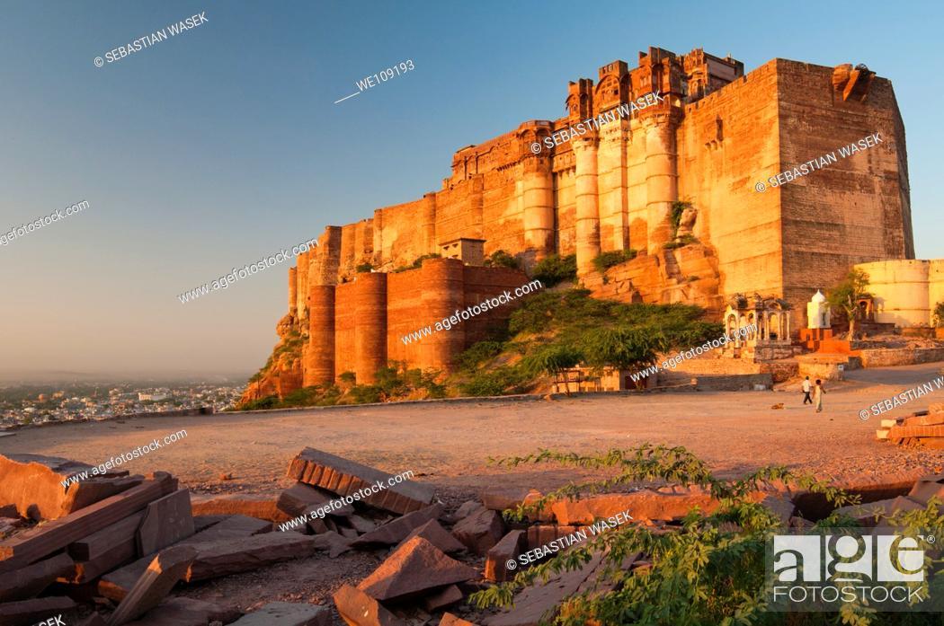 Stock Photo: Mehrangarh Fort on hill above Jodhpur, Rajasthan, India.