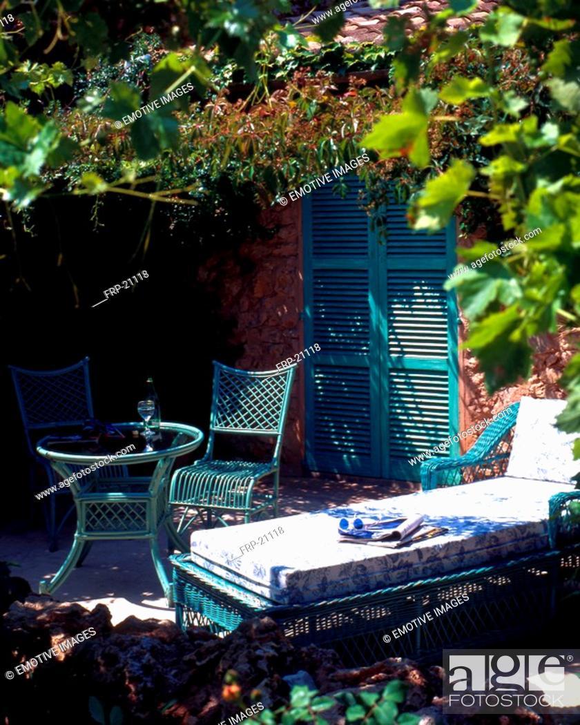 Stock Photo: Summery garden seat.