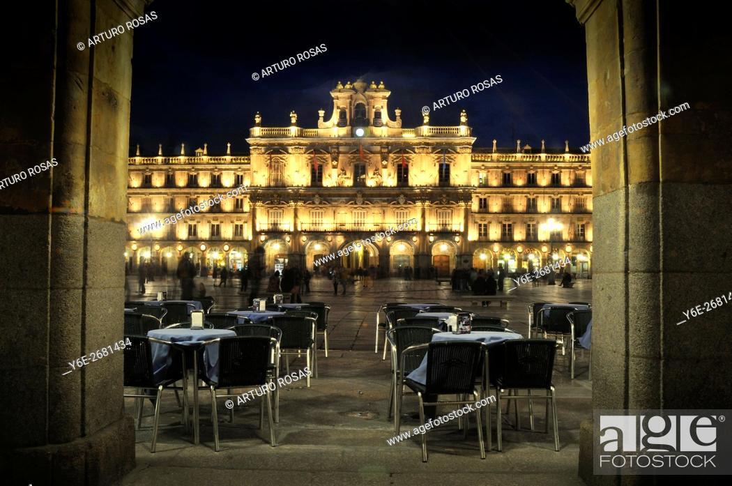 Stock Photo: Night shoot in the Plaza Mayor of Salamanca, Spain.