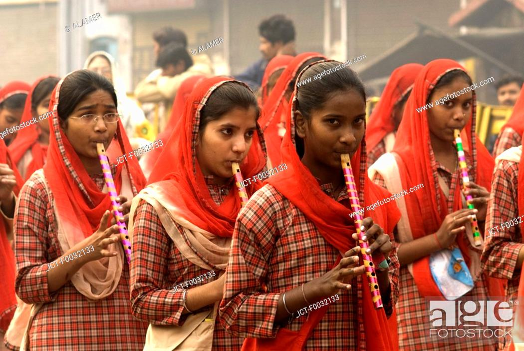 Stock Photo: India, New Delhi, student of an indian school.