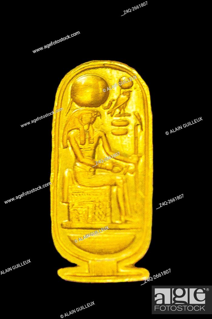 Imagen: Egypt, Cairo, Egyptian Museum, Tutankhamon jewellery, from his tomb in Luxor : Gold ring in the shape of a cartouche, depicting a basket and the god Ra-Harakhty.