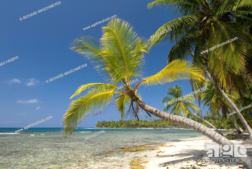Stock Photo: Arridup Island, San Blas Islands also called Kuna Yala Islands, Panama.