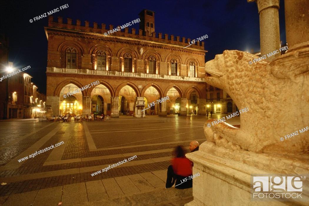 Stock Photo: Piazza del Duomo, Cremona, Lombardy, Italy.
