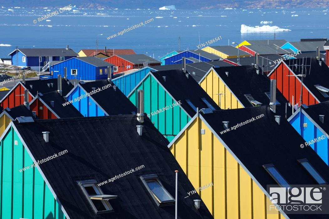 Stock Photo: Colorful houses, Ilulissat, Icefjord, Greenland.