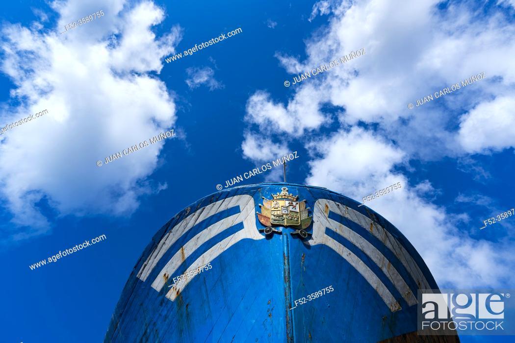 Stock Photo: Mariñel, the last wooden fishermen boat, Hondarribia town, Txingudi bay, Jaizkibel Mountain range, Gipuzkoa province, Basque Country, Spain, Europe.