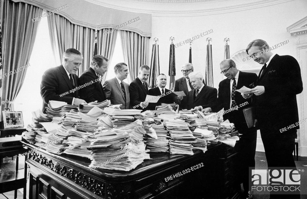 nixon office. Stock Photo - Nixon Cabinet Members Reading Telegrams In The Oval Office. On Nov. 3 1969 Asked \u0027Great Silent Majority\u0027 Of Americans To Demonstrate Office L
