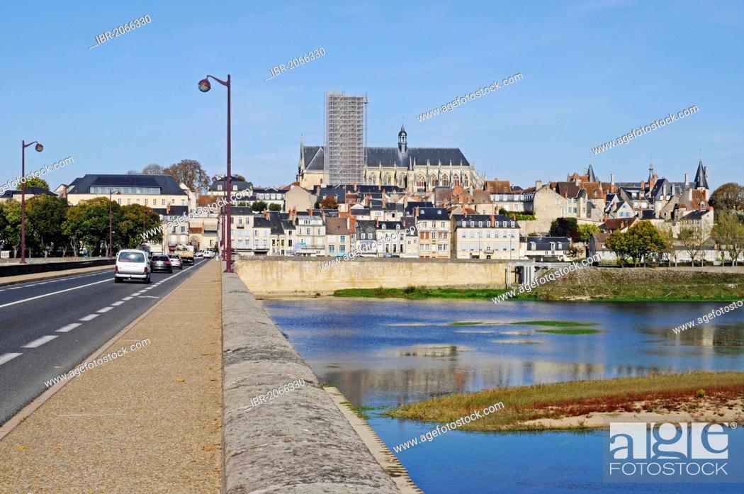 Stock Photo: Saint-Cyr-et-Sainte-Juliette Cathedral, bridge, Loire River, Nevers, Nievre, Bourgogne, Burgundy, France, Europe, PublicGround.