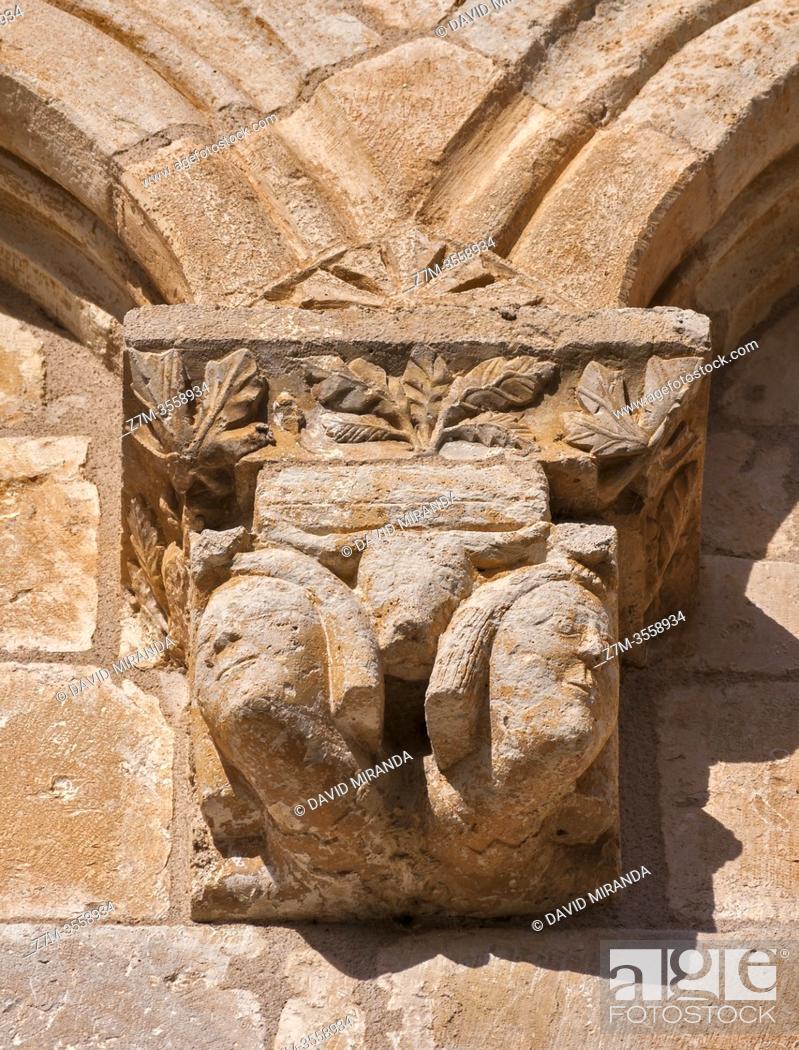 Imagen: Detalle exterior de la Iglesia de la Natividad de Nuestra Señora (Añua). Elburgo. Ã. lava. País Vasco. España.