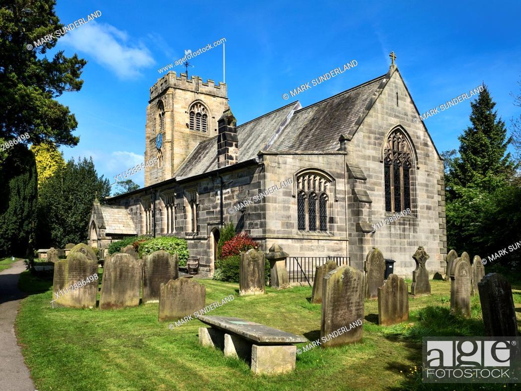 Imagen: St Thomas a Becket Parish Church and Graveyard at Hampsthwaite, North Yorkshire, England.