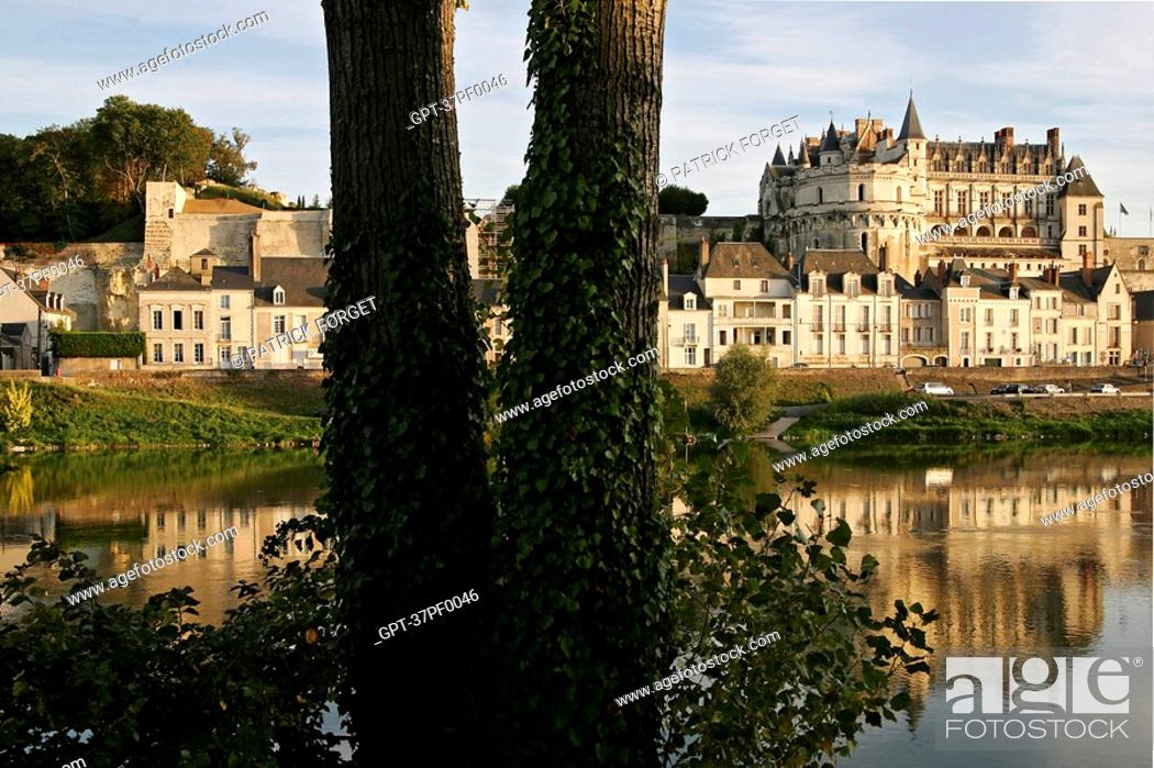 Stock Photo: CHATEAU BY THE LOIRE, AMBOISE, INDRE-ET-LOIRE 37, FRANCE.