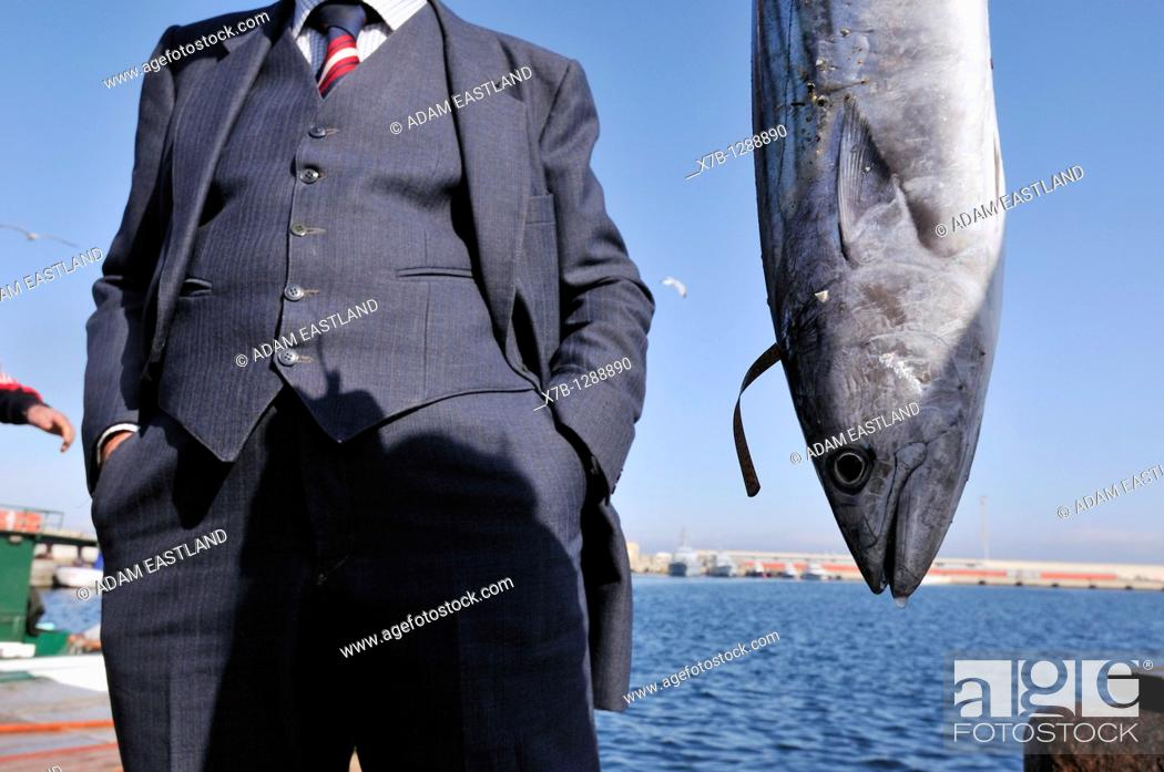 Stock Photo: Fresh fish landed and sold directly from the quay. Gallipoli, Apulia, Italy.