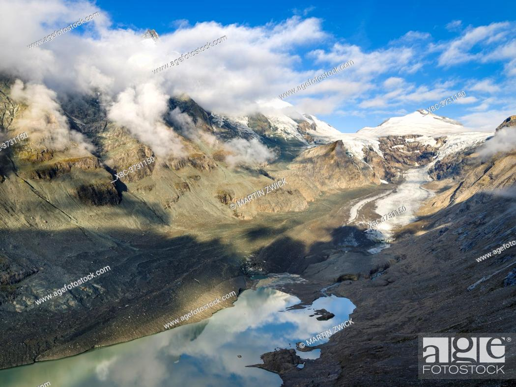 Imagen: Glacier Pasterze at Mount Grossglockner, which is melting extremely fast due to global warming. Europe, Austria, Carinthia.