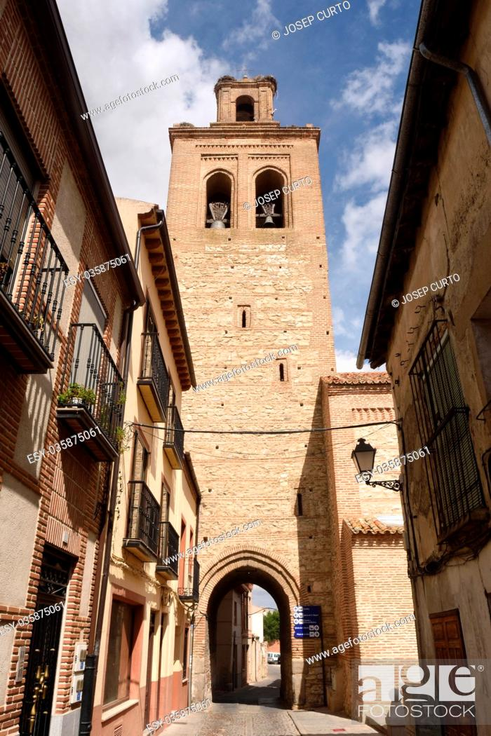 Photo de stock: Santa Maria la Mayor church of Arevalo, Avila province, Castilla y Leon, Spain.