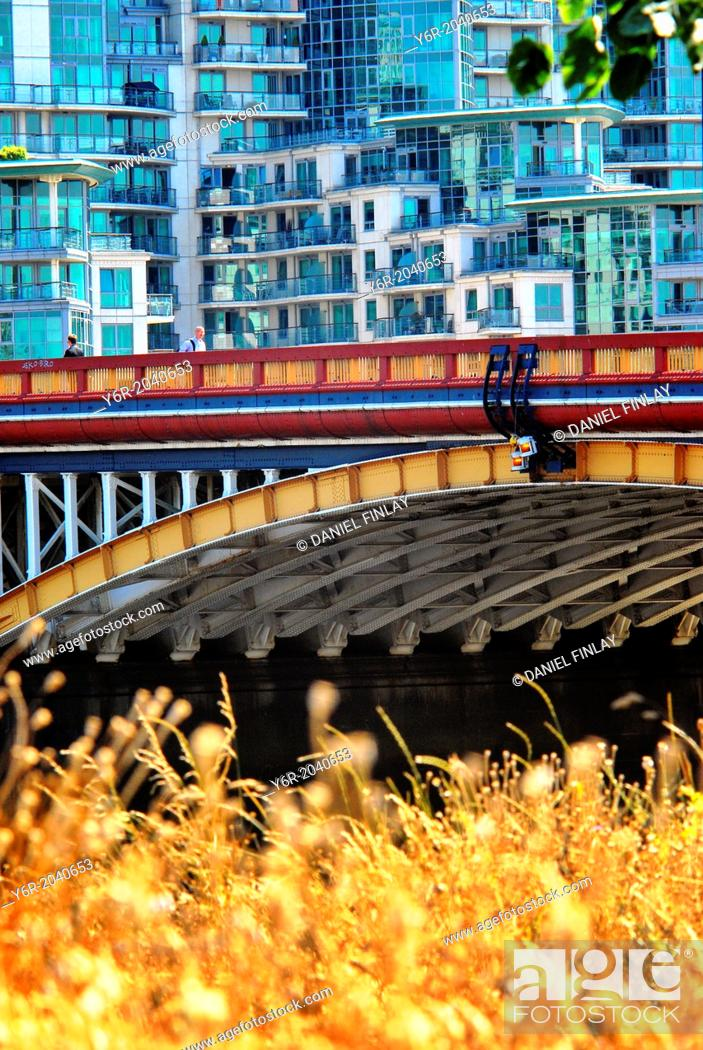 Stock Photo: Vauxhall Bridge. over the River Thames, in London England on a sunny Summers day.