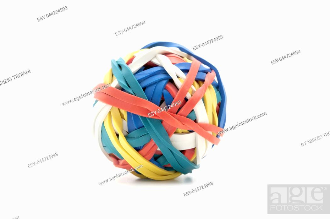 Imagen: Ball of rubber bands on a white background.