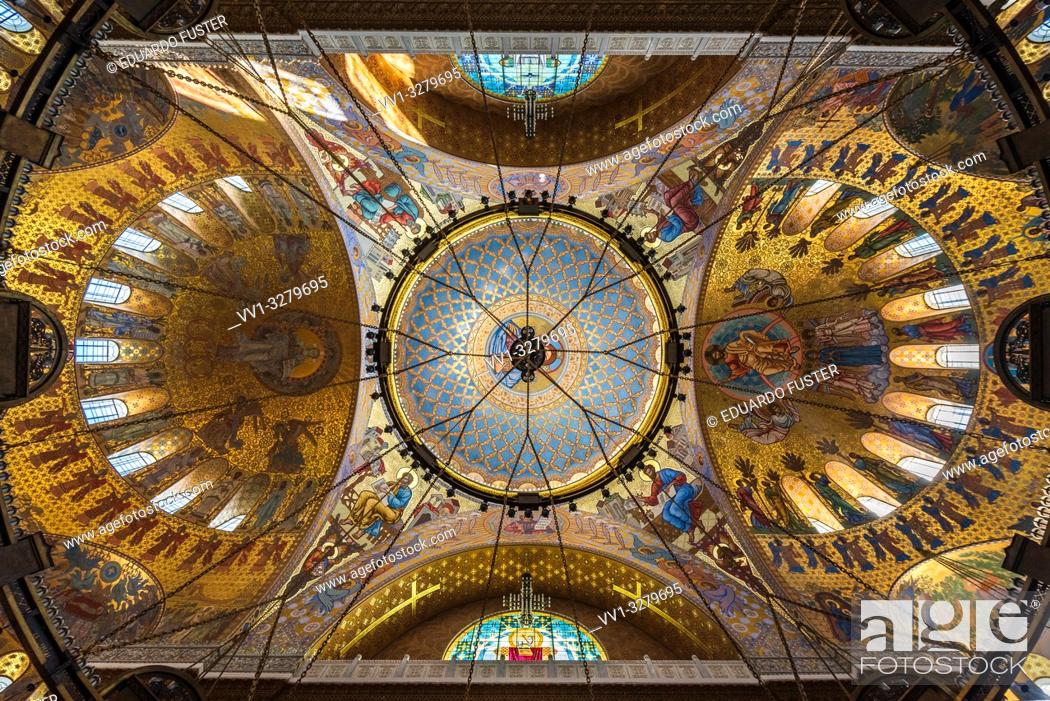 Stock Photo: Dome interior of the Naval Cathedral in Kronstadt Saint-petersburg.
