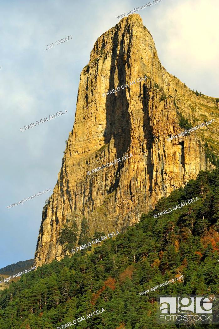 Stock Photo: Tozal del Mayo Ordesa, Huesca.
