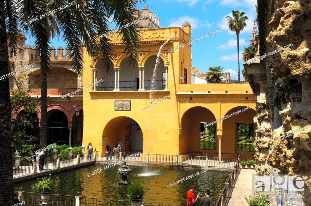 Stock Photo: Gardens of the Alcazar, Reales Alcazares, Seville, Andalusia, Spain.