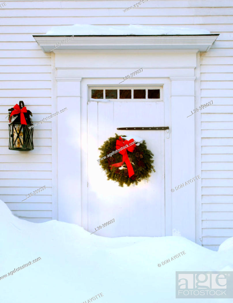 Stock Photo: Christmas door. Gloucester. USA.