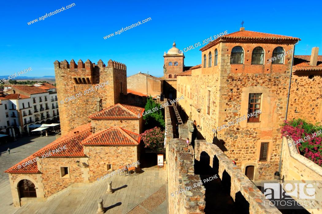 Stock Photo: Town Wall, Episcopal Palace and Torre de Bujaco, Old Town, Cáceres, Extremadura, Spain.