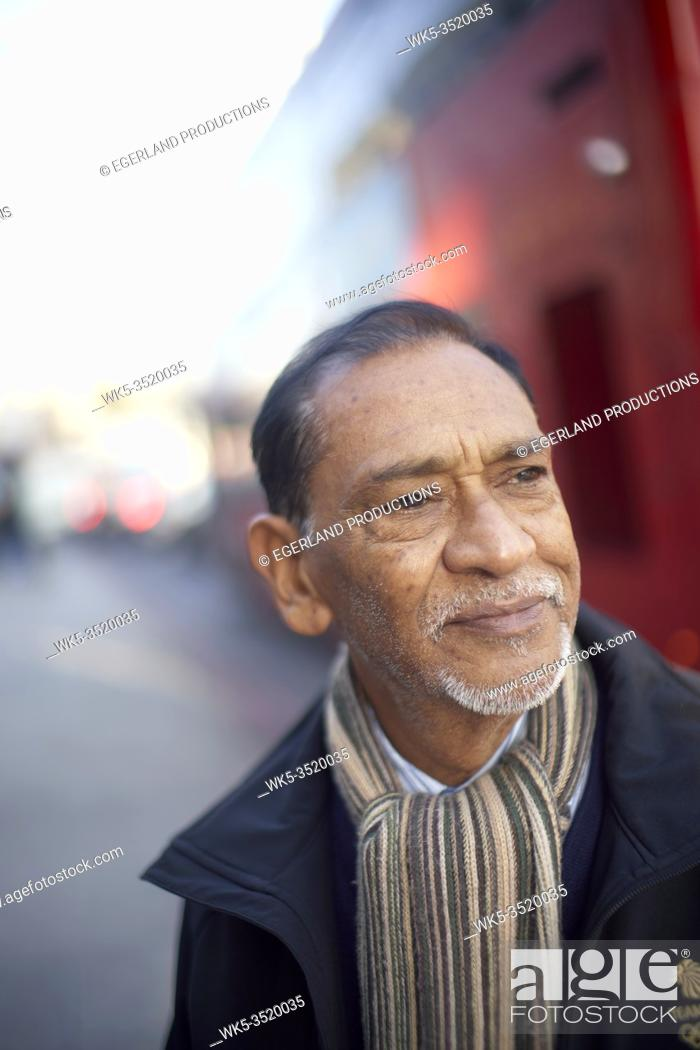 Photo de stock: senior man in London, UK.