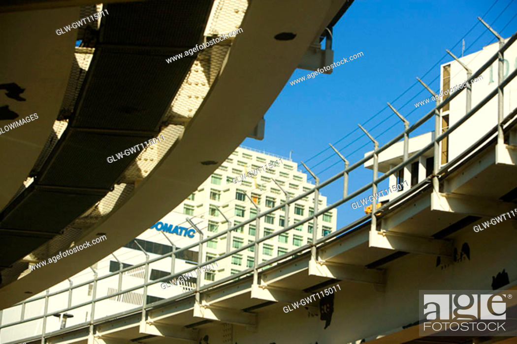 Stock Photo: Low angle view of a multiple lane highway, Miami, Florida, USA.