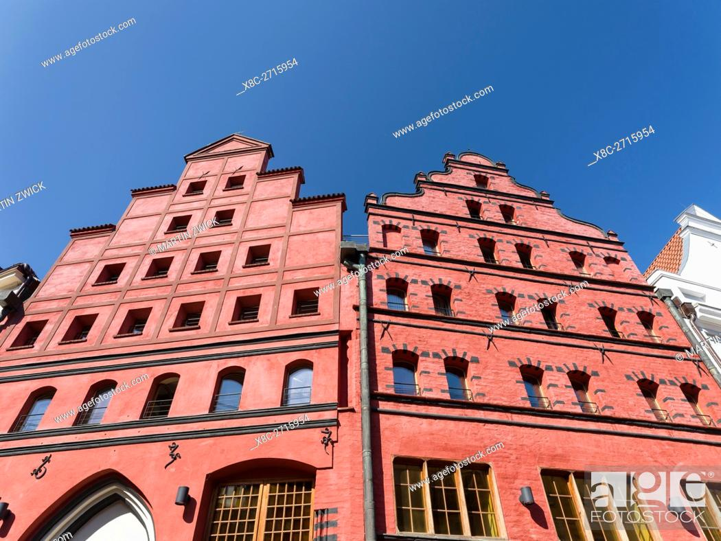 Imagen: Medieval house called Scheelehaus in the protected old town. The Hanseatic City Stralsund. The old town is listed as UNESCO World Heritage.