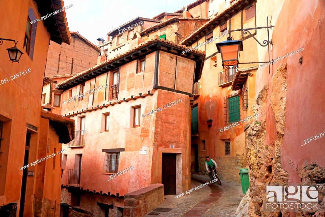 Imagen: Albarracin medieval terracotte village in Teruel, Aragon, Spain. One of the Spain's most beautiful villages.