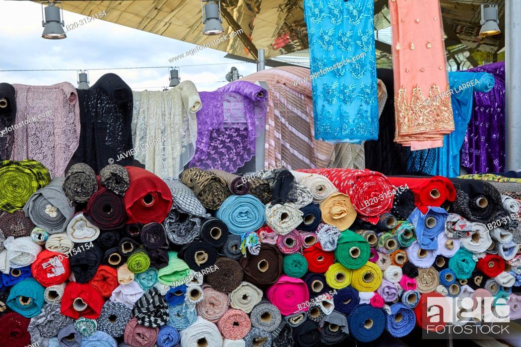 Photo de stock: Encants Market, Plaça de les Glòries, Barcelona, Catalunya, Spain, Europe.