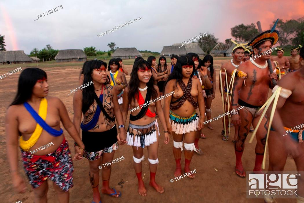 Traditional Dance By Xingu Indians In The Amazon, Brazil -8351