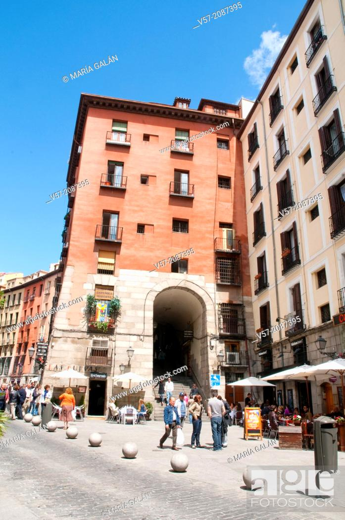 Stock Photo: Arco de Cuchilleros. Madrid, Spain.