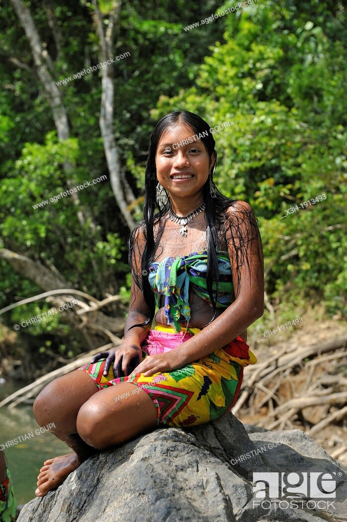 Esilda young teenager of Embera native community living by