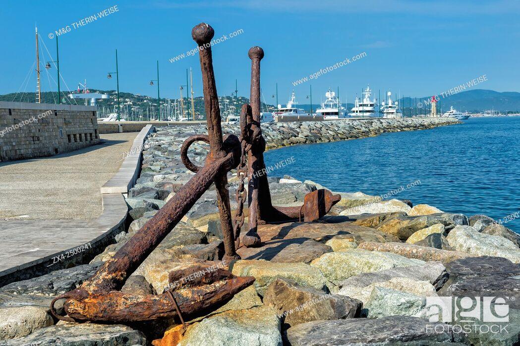 Imagen: Anchors, Jean Reveille mole, Saint Tropez, Var, Provence Alpes Cote d'Azur region, France.