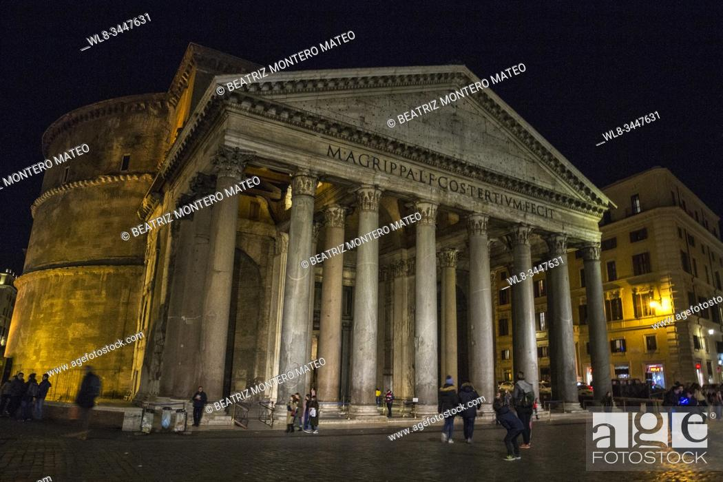 Stock Photo: Pantheon of Agrippa at night in Rome (Italy).