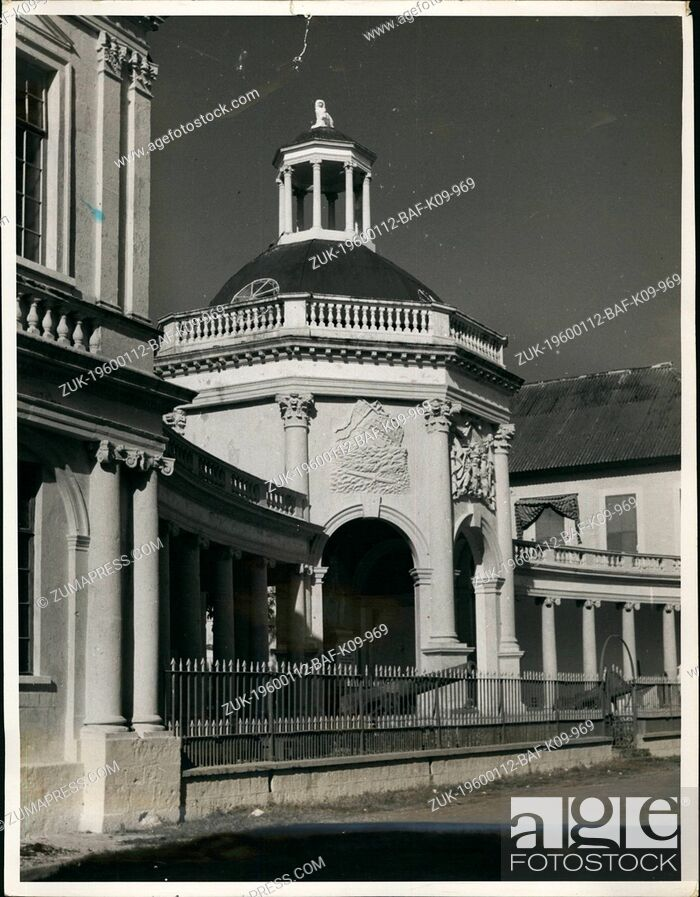 Imagen: 1956 - Jamaica, B.W.I. in the squre at Spanish Town, thirteen miles from Kingston stands the memorial to admiral Rodney who defeated the french fleet under the.