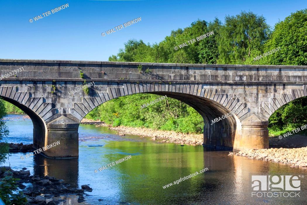 Stock Photo: Ireland, County Wicklow, Avoca, village bridge.