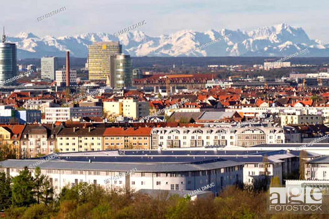 Stock Photo: Munich with view of the bavarian alps at foehn wind.