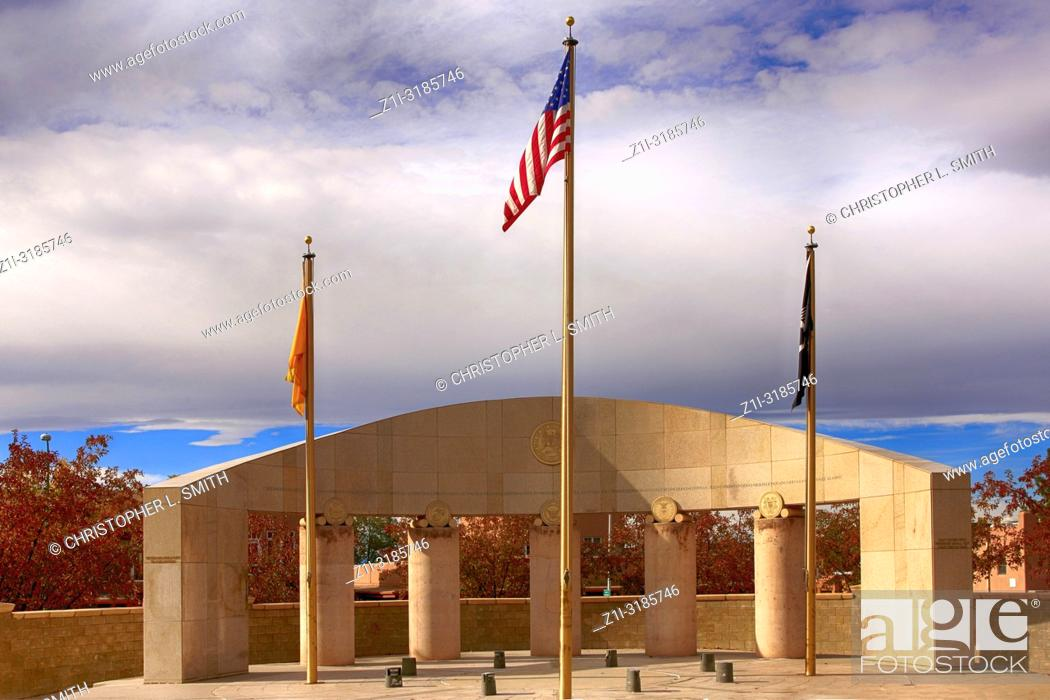 Imagen: The War Memorial opposite Galisteo St in Santa Fe, New Mexico USA.