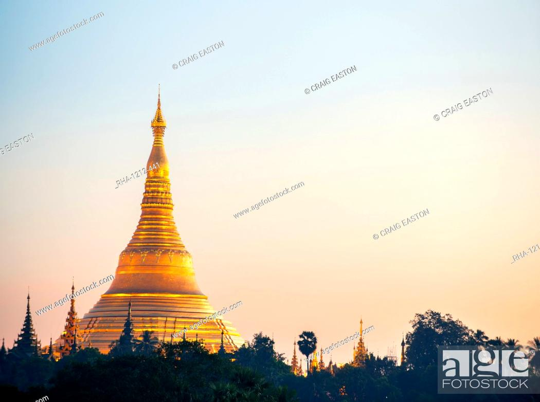 Stock Photo: Shwedagon Pagoda, the most sacred Buddhist pagoda in Myanmar, Yangon (Rangoon), Myanmar (Burma), Asia.