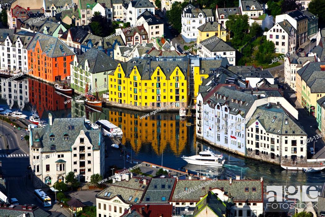 Imagen: Alesund More og Romsdal, Norwegian fjords, Norway.
