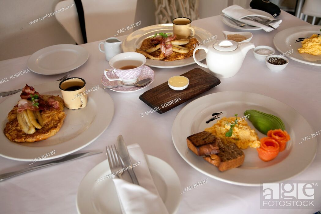 Stock Photo: Manna Epicure Cafe, Breakfast on Kloof Street in cape Town - South Africa.
